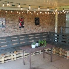 Learn how to make outdoor patio furniture from pallets! add cushion!!
