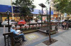 Parklets ganham espaço e caem no gosto de Belo Horizonte.  Estrutura na Rua dos Goitacazes, no Centro da capital.