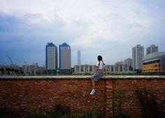 Weng Fen – Sitting on the Wall – Guangzhou (3), 2002-2003