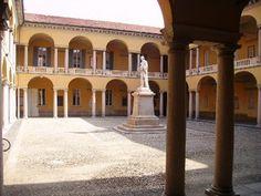 Università Centrale, Cortile di Volta