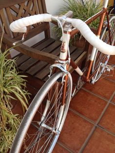 Vintage recreation upon a Raleigh frame