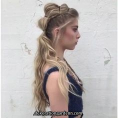 46 Glam Updo Ideas For Long Hair! Do you wanna learn how to styling your own hair? Well, just visit our web site to seeing more amazing video tutorials! Side Braid Hairstyles, Hairstyles For School, Straight Hairstyles, Wedding Hairstyles, Hairstyle Ideas, Perfect Hairstyle, Bridal Hair Updo, Bridal Makeup, Hair Videos