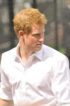 Prince Harry - Prince Harry Watches a Little League Game