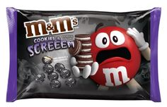 M&M's Halloween COOKIES & SCREEEM Chocolate Candy, 8 oz, Limited Edition Cookies and Cream: M&M's Seasonal Limited Edition White pumpkin pie, pecan pie, white candy corn and cookies cream flavors 1 Pack each pack) per order Chocolate Bonbon, White Chocolate Candy, Chocolate Cookies, Chocolate Sweets, Oreo Flavors, Cookie Flavors, M M Cookies, Cookies Et Biscuits, Candy Cookies