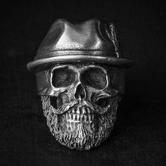 """#skull # ring #skullring #fourspeed #fourspeedmetalwerks #pewter #handmade This is """"Madcap"""" a skull ring based on lead free pewter that made by Fourspeed Metalwerks, a top class brand that have worked with well-known musicians, artists and professional athletes."""