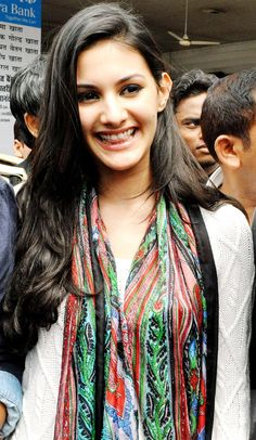 Amyra Dastur #Bollywood #Fashion
