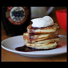 Pradobroty: Kefírové lívance Kefir, Pancakes, Paleo, Favorite Recipes, Sweets, Cookies, Breakfast, Food, Pizza