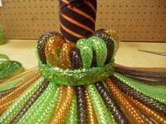 halloween witch broom made of deco flex tubing Halloween Mesh Wreaths, Diy Halloween Decorations, Deco Mesh Wreaths, Halloween Witch Wreath, Halloween Pumpkins, Deco Mesh Crafts, Fall Deco Mesh, Halloween Witches, Fall Wreaths