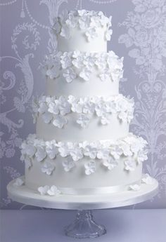 White Hydrangea Cake