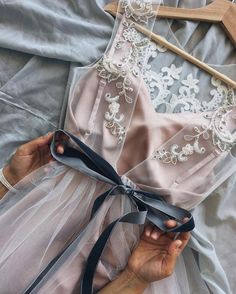 Pin by Itácia Marvila on Style/Looks in 2019 Evening Dresses, Prom Dresses, Wedding Dresses, Pretty Dresses, Beautiful Dresses, Mode Inspiration, Dream Dress, Fashion Outfits, Womens Fashion