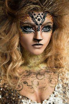 Blonde makeup nature