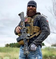 Tactical Beard, Special Forces Gear, Surplus Militaire, Tac Gear, Tactical Clothing, Special Ops, Military Gear, Navy Seals, Mad Max
