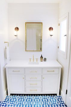 8+Bathroom+Before-And-Afters+You+Need+to+See+via+@domainehome