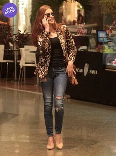 Look do dia  Marina Ruy Barbosa usa animal print em dia de compras no Rio 2657bdec81