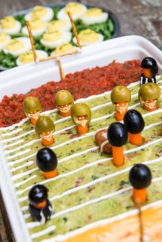 Winning Super Bowl Snacks Winning Super Bowl Snacks,FOOD: Yummy Recipes Big Game Football Field Party Dip plus Winning Super Bowl Snack Recipes on Frugal Coupon Living Bowl Party Food Football Party Foods, Football Food, Football Humor, Football Names, Football Treats, Football Shirts, Football Birthday, Superbowl Party Food Ideas, Football Draft Party