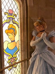 Cinderella's Royal Table Staircase, Face Character, Disney World, Cinderella Disney Princess Cosplay, Cinderella Cosplay, Disneyland Princess, Disney Princess Cinderella, Disney Princesses, Disney Day, Cute Disney, Disney Girls, Disney Magic