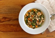 Low Calorie White Bean Kale Soup