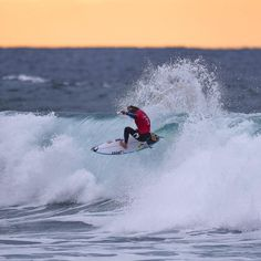 Bells - @mfanno finishing off one of his 8 point rides today at the #ripcurlpro @kingklips @wsl @ripcurl_aus @surfpics @surfer_magazine @surfingmagazine @tracksmag @swellnet @coastalwatch @bellsbrewingco @sunrise_and_sunsets @visitgreatoceanroad @torquay.com.au @surfline @surflords #wsl #surf #surfing #surfcoast #bellsbeach #eastermonday #instasurf #instagram #surfphotography #photography #photographer #photooftheday #bowl #easter #legend #local #mickfanning #sunrise #firstlight #follow…