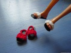how to make shoes for a flat-footed Barbie