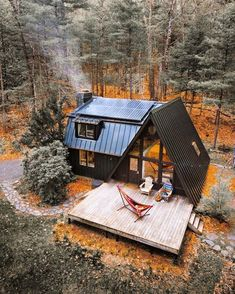 Cozy Zen Tiny House Ideas for Small Spaces Zen small house concepts. There are many house forms. A tiny house. Small, people may be surprised. Into The Woods, Cabins In The Woods, Haus Am See, Casas Containers, A Frame Cabin, A Frame House Plans, Tiny House Plans, Cabins And Cottages, Log Cabins