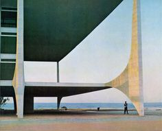 Brasilia 1966 (via Images Domus), Oscar Niemeyer architect.