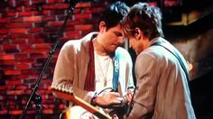 Ahhhh. These guitars! John Mayer and Keith Urban Grammy's Tribute Don't Let Me Down