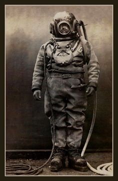 Fridge #Magnet vintage Deep Sea Diver #retro #diving suit with Lead Feet helmet,  View more on the LINK: http://www.zeppy.io/product/gb/3/198660373/
