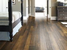 """Handscraped Laminate by Shaw Floors in style """"Boulevard Maple"""""""