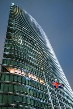 1 West India Quay (including Marriott Hotel) Looking so sharp and so patriotic by HOK International with Squire & Partners