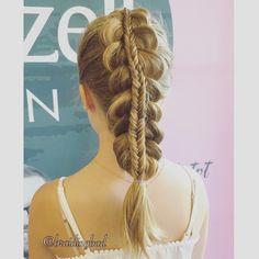 "Heli sanoo Instagramissa: ""#stackedbraid of a #dutchbraid and a #fishtailbraid  . . #braid #braids #braiding #braidinghair #braidideas #instabraids #lettikampaus #letitys #hairdo #hairdos #pinoletti #flette #plaitedhair #suomiletit #braidsforgirls #featuremeisijatytot #hotbraidsmara #braidsforlittlegirls #petrea30daychallenge #braidinginspiration #inspirationalbraids #lettikoju"""