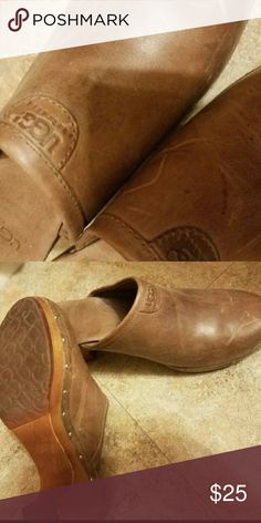 Ugg Mule Clog USED, with some scuff Mark's. In good condition. UGG Shoes Mules & Clogs