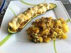 Plnená cuketa so šťuchanými zemiakmi - Recept Zucchini, Food And Drink, Vegetables, Red Peppers, Vegetable Recipes, Veggies