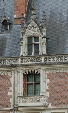 Blois Castle, , balcony and spire light at the Louis XII wing, Loir-et-Cher, Centre. French Architecture, Architecture Details, Porches, Chateau De Blois, Francois 1, Portal, France Love, French Castles, France Photos