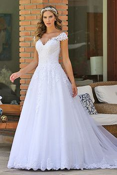 Pretty Prom Dresses, Modest Wedding Dresses, Elegant Wedding Dress, Bridal Dresses, Bridesmaid Dresses, Christian Wedding Gowns, Fairytale Bridal, Bride Gowns, Beautiful Gowns
