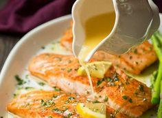 The best salmon recipe with garlic and lemon butter!- La meilleure recette de saumon au beurre à l'ail et citron! This recipe is absolutely fantastic! Salmon is good and the sauce is absolutely mind-blowing with a little secret ingredient … - Best Salmon Recipe, Salmon Recipes, Fish Recipes, Seafood Recipes, Healthy Dinner Recipes, Snack Recipes, Cooking Recipes, Super Dieta, Food Porn