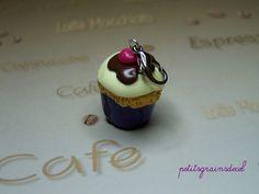 Un mini cupcake à accrocher partout; sur les fermetures éclairs : Autres bijoux par petitsgrainsdecel
