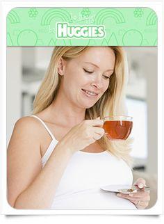 Probablemente durante el embarazo no se te antoje el café o el té, debido que con frecuencia en esta etapa se prefieren bebidas frescas. Adicional, es importante que sepas que los tés antioxidantes, como el verde, pueden cambiar la forma en que se absorbe el ácido fólico, ocasionando que no le llegue a tu bebé. Descubre más consecuencias en https://www.huggies.com.mx/site/Nutricion/Embarazo/4/27.