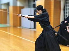 Female Samurai, Samurai Warrior, Kendo, Anatomy Body Parts, Katana Girl, Kimono Japan, Sword Fight, Martial Artists, Contemporary Dance