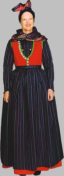 Dronning Margrete i en dansk national dragt. queen margaret in the danish national dress.