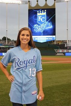 Alex Morgan, before throwing out the ceremonial first pitch at a Kansas City Royals game on Sept, 15, 2011. (The WNT Blog, U.S. Soccer)