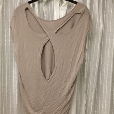Open back top Brownish tan open back top! Super cute on and really comfy! Forever 21 Tops
