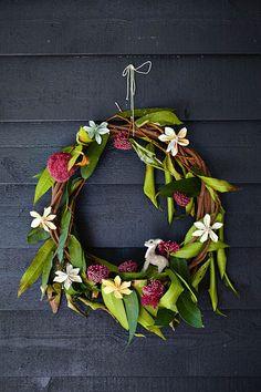 An Australian country christmas wreath. Aussie Christmas, Australian Christmas, Summer Christmas, Xmas Holidays, Christmas Love, Country Christmas, All Things Christmas, Christmas Wreaths, Christmas Crafts