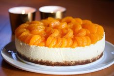 Ostekake med mandarin og pepperkaker Norwegian Food, Good Food, Yummy Food, Mousse Cake, Cheesecakes, Granola, Cake Recipes, Food And Drink, Sweets