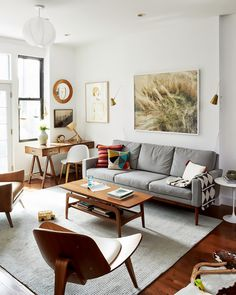 Interior Designers Reveal The Top 8 Small-Space Tips They Swear By via @MyDomaine