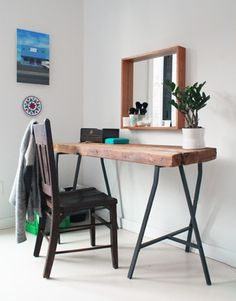 DIY: sidetable  IKEA SPOTTED // VIKA LERBERG trestles in gray with beautifull piece of wood