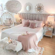 Tamara • Decoración & Home (@tamishome) • Instagram photos and videos Modern Teen Bedrooms, Girls Bedroom, Comforters, Instagram, Blanket, Furniture, Home Decor, Quartos, Beds