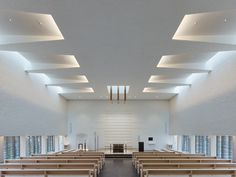 Completed in 2015 in Balingen, Germany. Images by Zooey Braun . Sacred Architecture, Church Architecture, Religious Architecture, Auditorium Design, Auditorium Architecture, Ceiling Design Living Room, False Ceiling Design, Living Room Designs, Church Interior Design