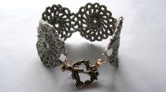 Silver Medallion Crochet Bracelet - etsy - no pattern  -  recreate!