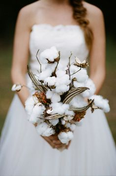 farm rustic country wedding ideas - cotton bridal bouquet
