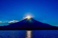 「富士山」は、間違いなく日本一有名な山。多くの人が絵画や写真としてこの「富士山」の素晴らしさを後世に伝えてきました。人生で一度は、ここ「富士山」の絶景を見てみたいものですね。
